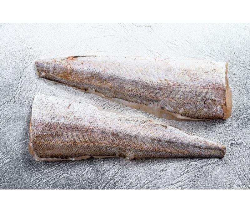 Filete de merluza con piel 285 - 340 g/pieza (1 estuche de 5 kg)