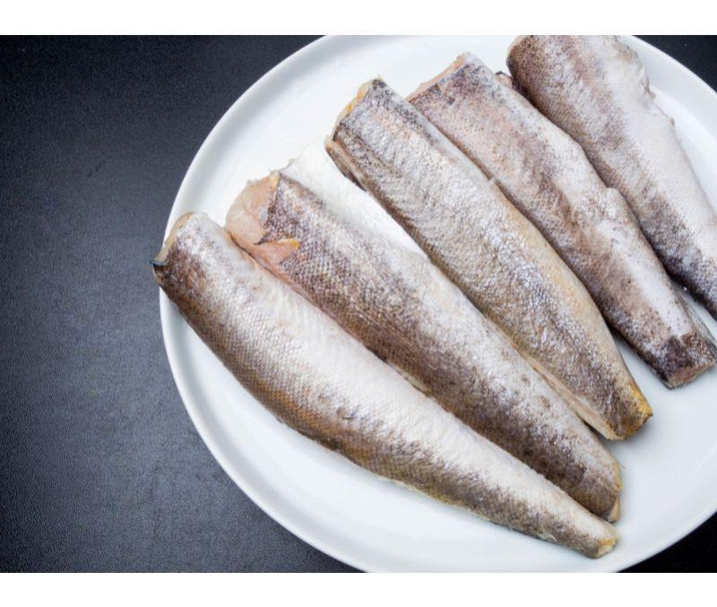 Filete de merluza con piel 80 - 120 g/pieza (1 estuche de 5 kg)