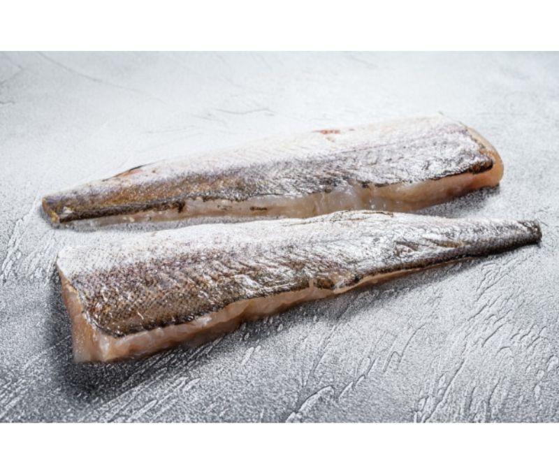 Filete de merluza con piel namibia (1 caja de 7 kg)